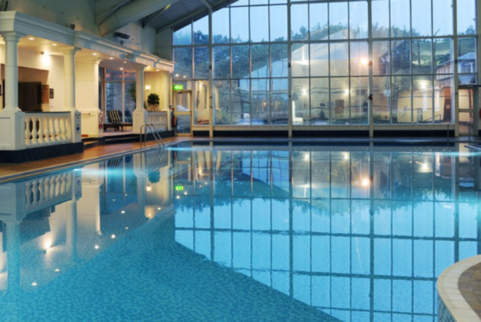 Village hotel total swimming - Hotels with swimming pools in liverpool ...