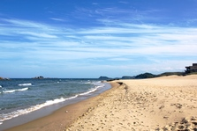 Beach_near_lake_sijung__nk